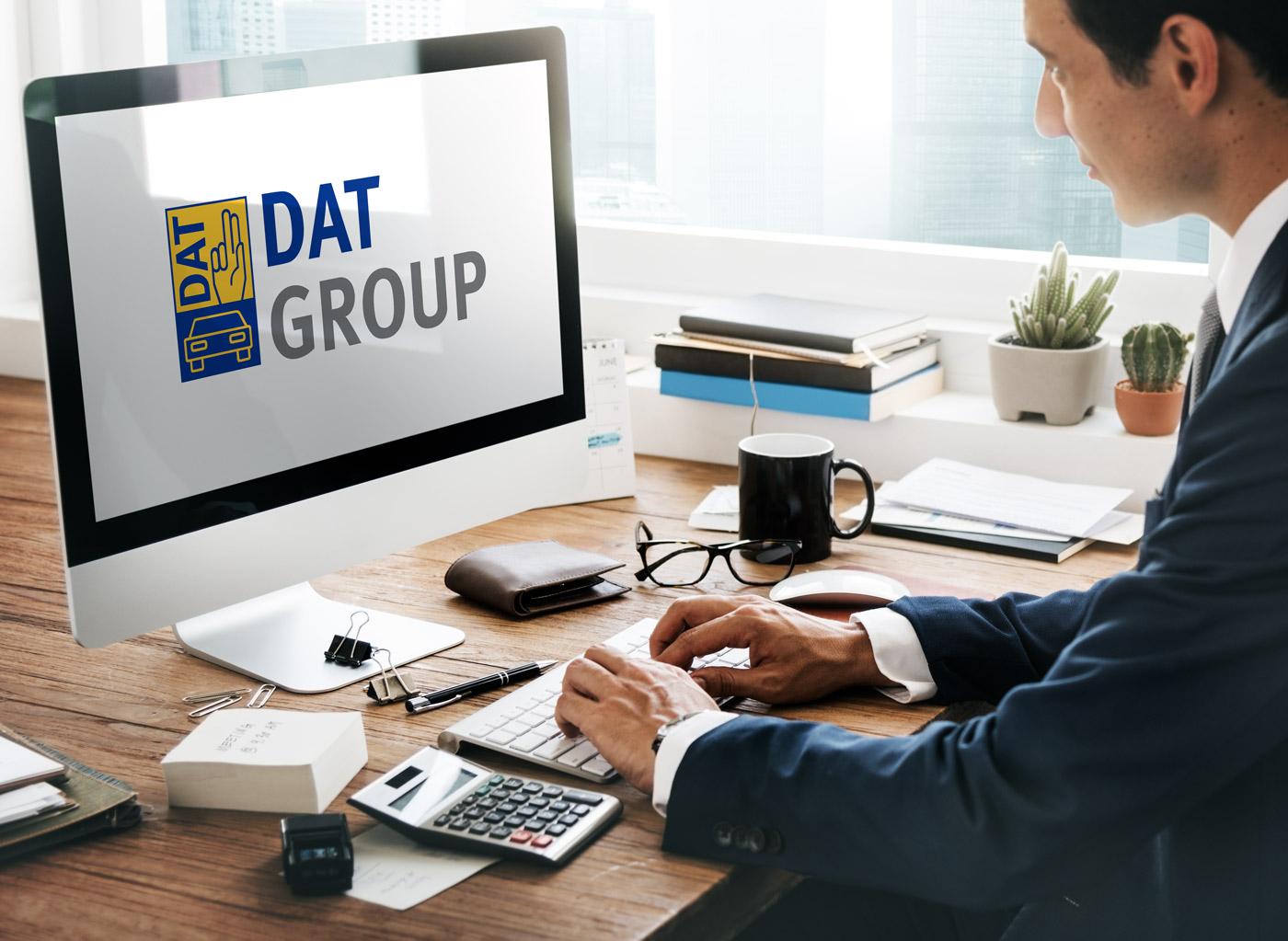 Mitarbeiter benutzen DAT Software