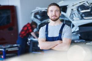 autohaus fahrzeugzubehör vermarkten in der Werkstatt